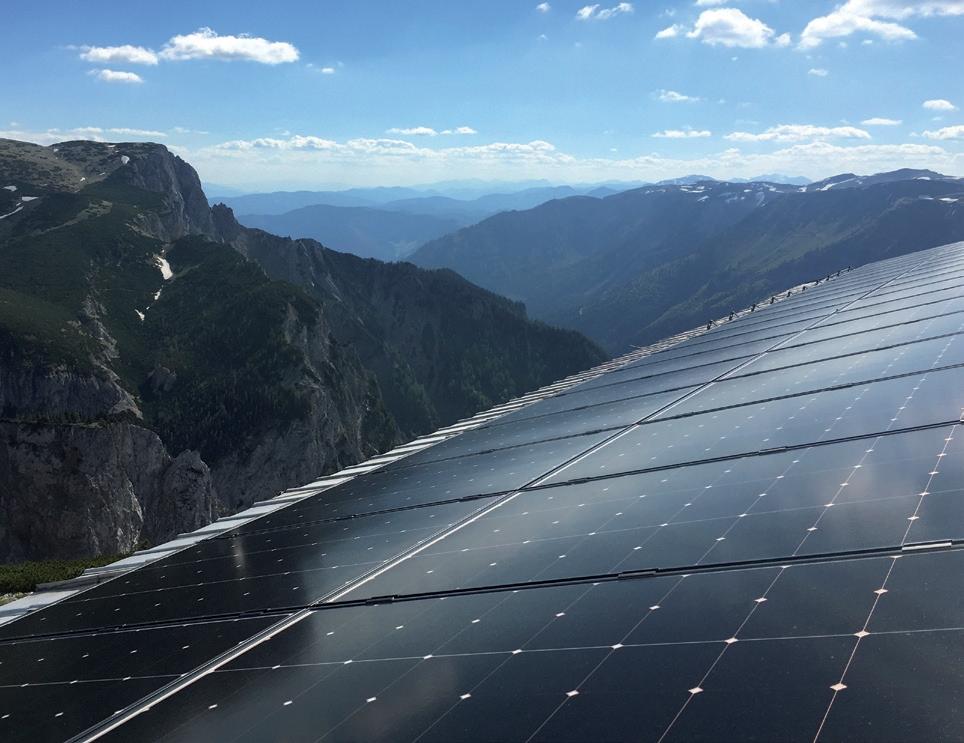 https://www.grupaxa.ro/wp-content/uploads/2021/07/Panouri-fotovoltaice-sharp.jpg